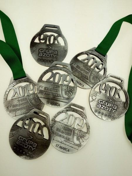 medal bieg zielonych sznurowadel