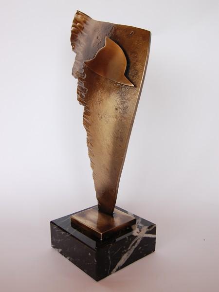 statuetka uniwersalna skrzydlo dla strazaka
